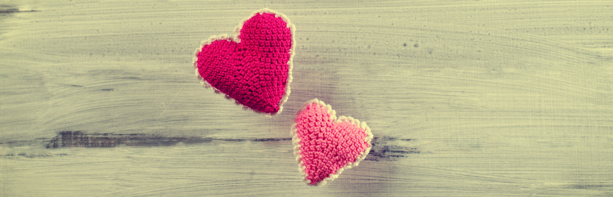 Knitted Hearts Web